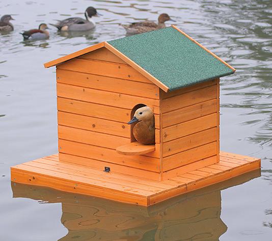 Isla flotante de madera finca casarejo for Bar flotante de madera